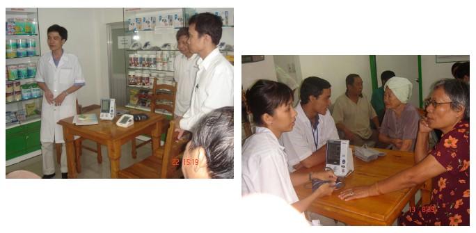 OMRON và nhà phân phối Hồng Tâm hỗ trợ chuỗi nhà thuốc Y Đức tổ chức chương trình tư vấn và đo huyết áp miễn phí. 1