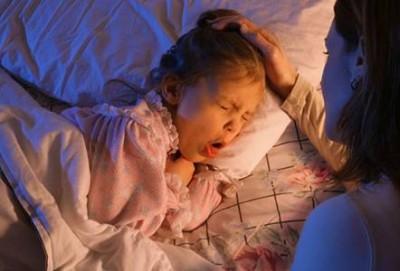 benh ho e1281503167985 Làm gì khi trẻ bị ho và sổ mũi