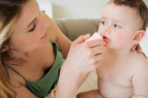 Viêm mũi dị ứng ở trẻ có di truyền từ mẹ?