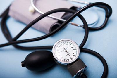 Sau đây là 12 triệu chứng có thể của bệnh tim bạn không nên bỏ qua: 4