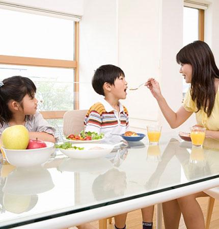 10. Không cần quá nghiêm khắc trong việc ăn kiêng của trẻ nhỏ 1