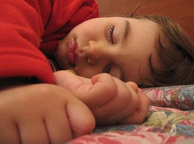 Trẻ béo phì có nguy cơ ngừng thở khi ngủ