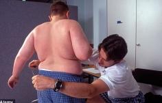 Trẻ dễ bị béo phì do uống sữa trước khi đi ngủ