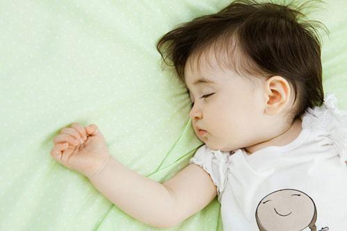 Trẻ dễ bị béo phì khi sinh mổ