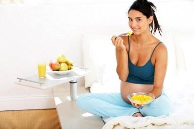 Mẹ ăn kiêng con có thể béo phì và mắc bệnh 1