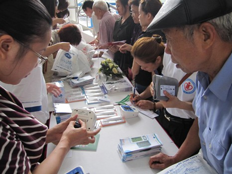 Chương trình nhân ngày Phòng chống tăng huyết áp thế giới 17-5-2011 7
