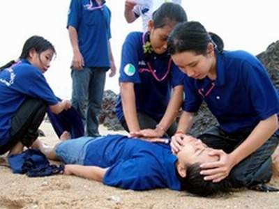 Cách sơ cấp cứu với người suy hô hấp cấp 1