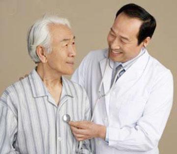 Vì sao người cao tuổi rất dễ bị đột quỵ? 1