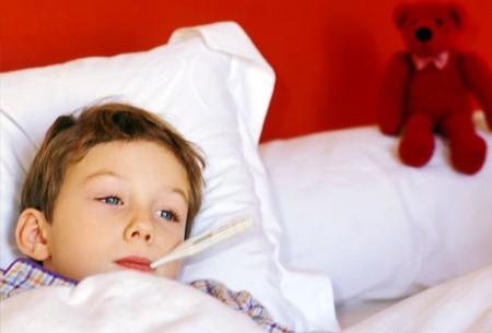 Cách xử trí khi trẻ sốt cao co giật? 1