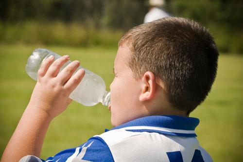Nước lạnh - Giảm cân cho trẻ béo phì 1