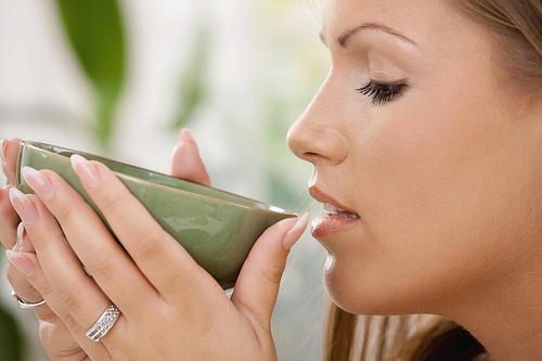 Một vài bí kíp giúp bạn tránh viêm họng khi hè đến