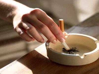 Hút thuốc thụ động làm tổn thương chức năng tim