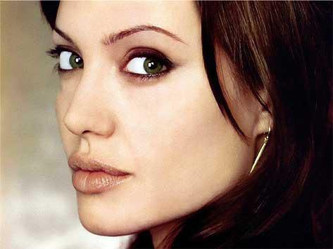 Ngôi sao Angelina Jolie 1