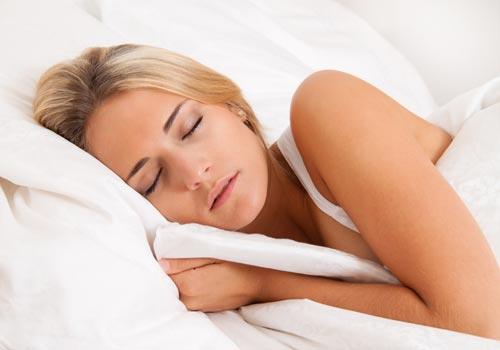 Tập thói quen ngủ sớm giúp ổn định huyết áp