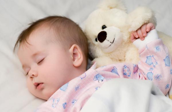 Làm gì khi trẻ bị ngạt mũi?