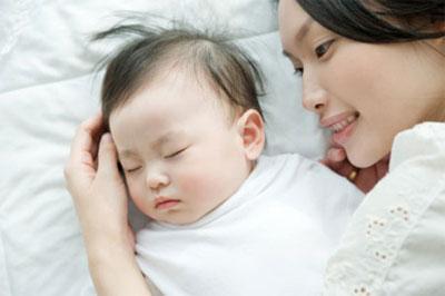 Kê đầu cao khi ngủ 1