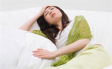 Hạn chế các cơn đau đầu do huyết áp thấp 1