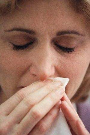 Cách nhỏ mũi điều trị viêm xoang 1