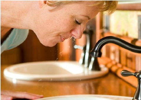 Người bệnh viêm xoang nên rửa mũi hàng ngày 5