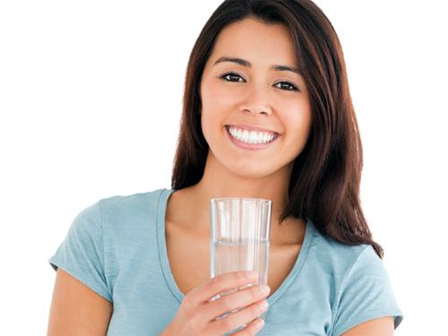 5. Uống nhiều nước mỗi ngày 1
