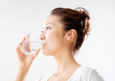 5. Uống nước đầy đủ mỗi ngày 1