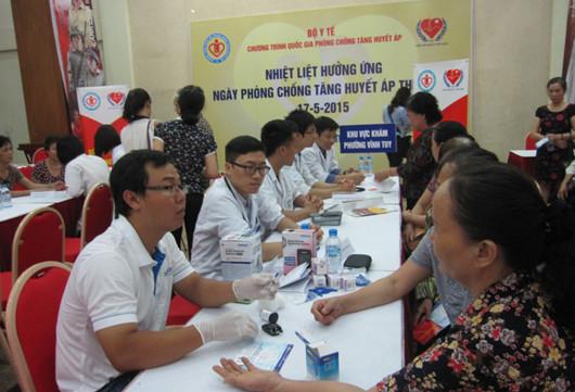 Hưởng ứng ngày phòng chống tăng huyết áp thế giới 17-05-2015 3