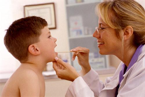 Viêm họng cấp ở trẻ và những điều cần biết 1