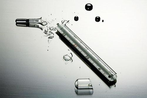 Tránh nhiễm độc thủy ngân: Nên dùng nhiệt kế điện tử 1