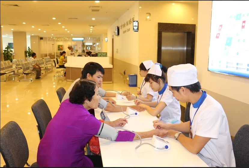 Đo huyết áp miễn phí – Nhân kỷ niệm ngày thành lập bệnh viện Đa khoa Đồng Nai tại cơ sở mới 3