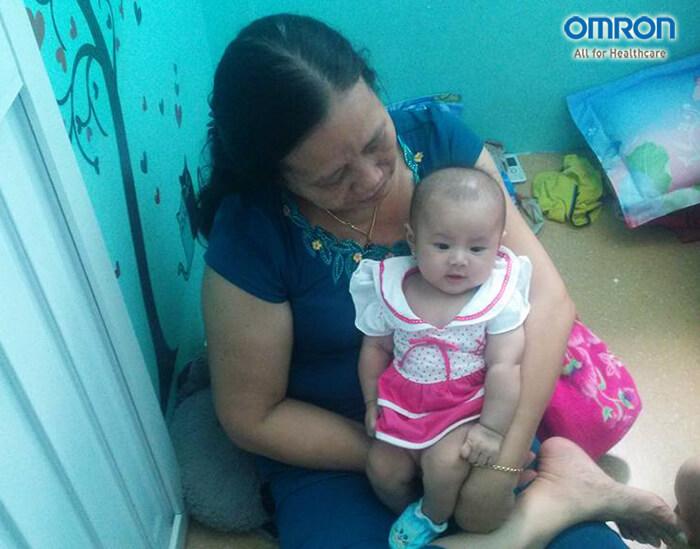 Chia sẻ kinh nghiệm chăm bé ốm sốt của mẹ Phương Bùi