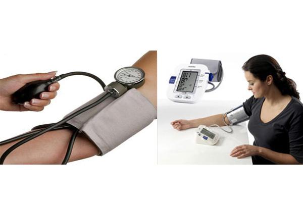 So sánh máy đo huyết áp cơ và huyết áp điện tử 1